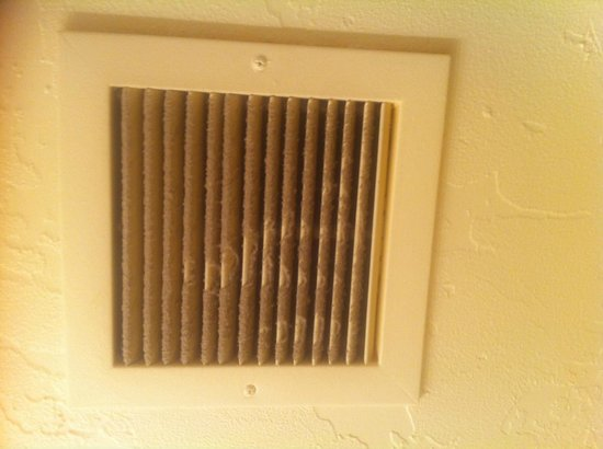 Alpenhof Lodge: Air vent in Bathroom