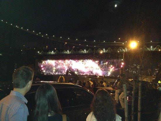 Manhattan Bridge: More fireworks