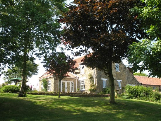Scalby Hayes Bed & Breakfast: House
