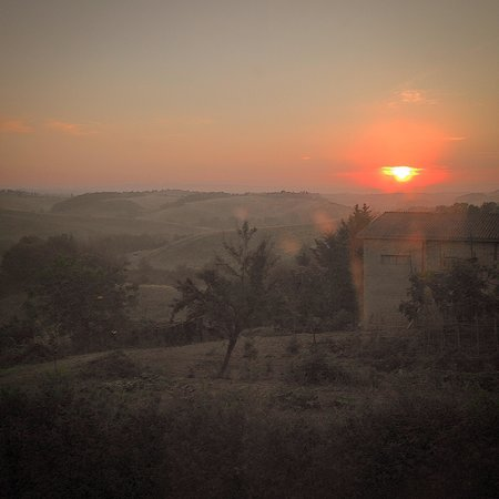 Tenuta la Santissima: The Sun rising from our bedroom window