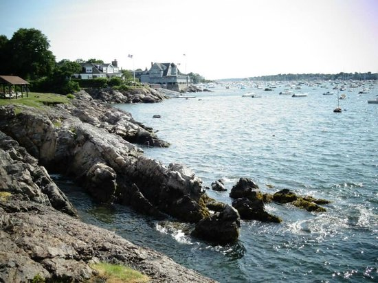 Chandler Hovey Park and Marblehead Lighthouse: Marblehead Lighthouse - Corinthian Yacht Club View