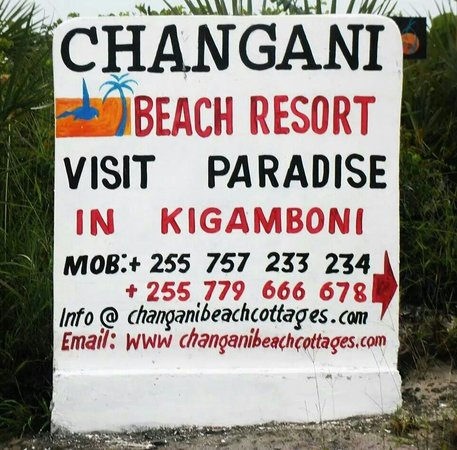 Changani Beach Cottages: Direction from bush