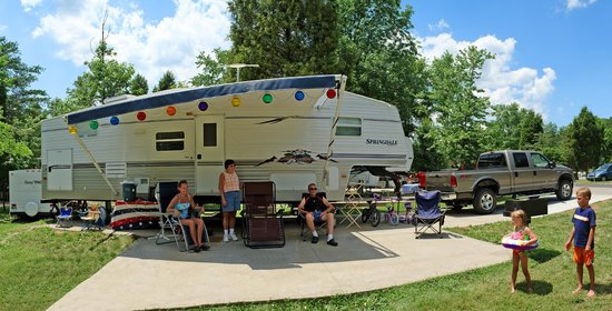 Lake Rudolph Campground & RV Resort : Deluxe RV Site at Lake Rudolph