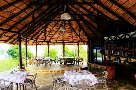 Changani Beach Cottages: Restaurant and bar