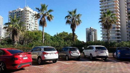 Xanadu Holiday Resort: Main porch of hotel