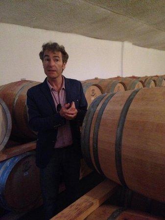 Valencian Cellar Tours: Toni talking about the wine aging in oak barrels