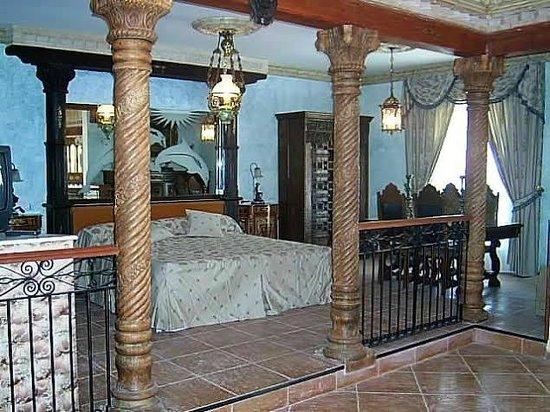 Photo of Hotel Complejo Los Delfines Valdepenas