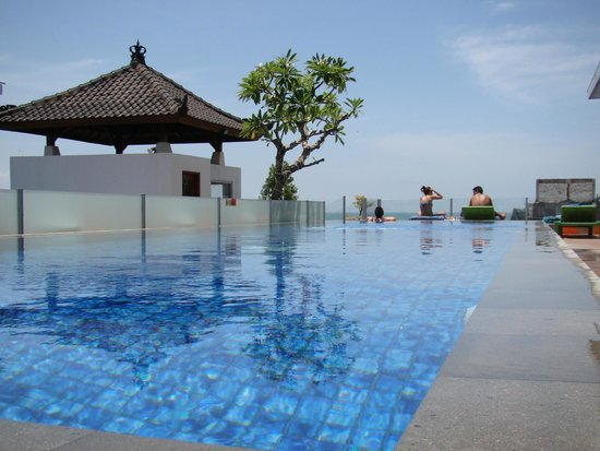 BEST WESTERN Kuta Beach: piscina