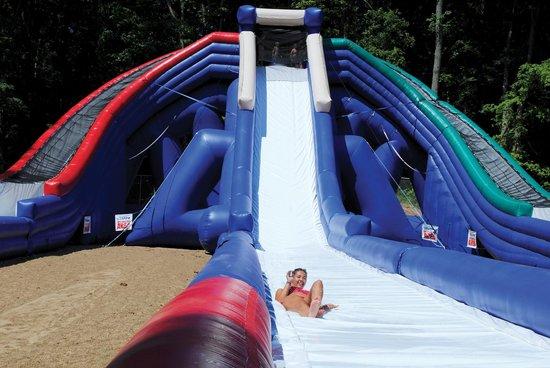 Lake Rudolph Campground & RV Resort: Trippo Water Slide at Santa's Splash Down WaterPark