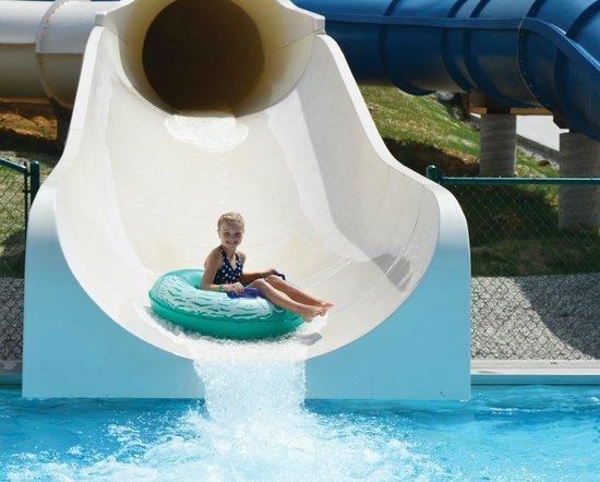 Lake Rudolph Campground & RV Resort: Beige Slide  at Santa's Splash Down WaterPark