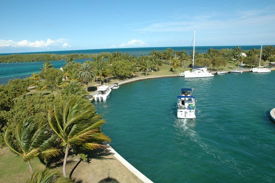 Boca Chita Key Campground: Docking at Boca Chita Key.