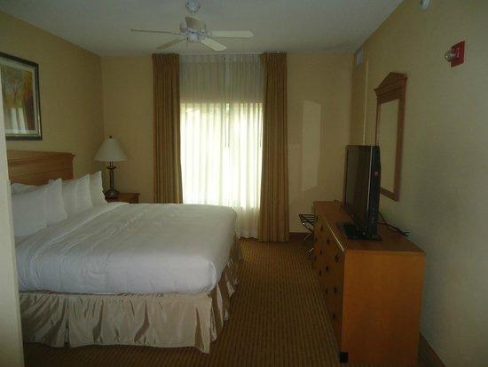Homewood Suites Miami-Airport / Blue Lagoon : Habitación