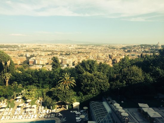 Rome Cavalieri, Waldorf Astoria Hotels & Resorts : View from 7th Floor Room