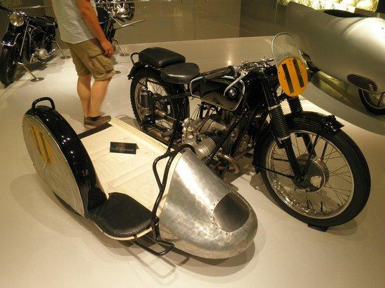 BMW-Museum: Adorei esse