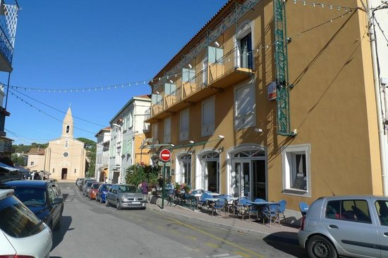 Hotel Le Provencal : Pretty centre of Giens