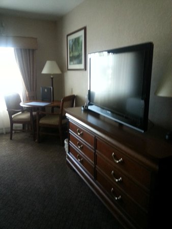 Best Western Plus Landmark Inn & Pancake House: Nice flatscreen TV