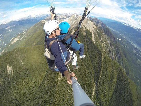 Golden, Canada : Soaring above Mount 7