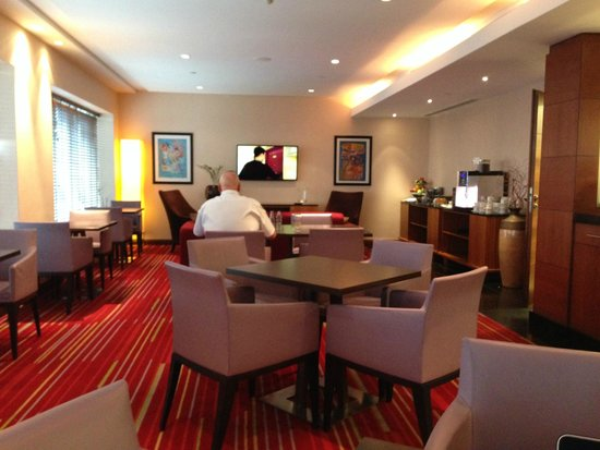 Hilton Warsaw Hotel & Convention Centre: Executive Lounge view