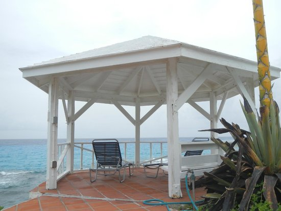Stella Maris Resort Club: Rainbow House Gazebo