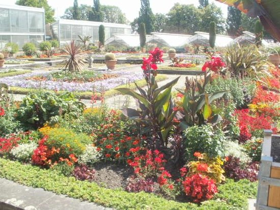 Berggarten: Beautiful gardens!!!
