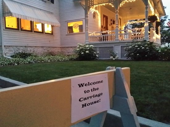Carriage House Bed and Breakfast: After Will Party