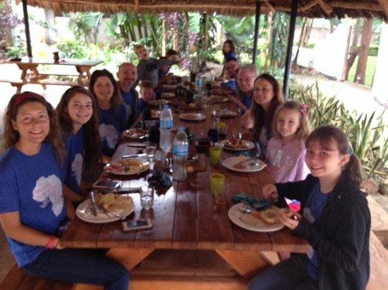 Honey Badger Lodge: Breakfast at the Lodge