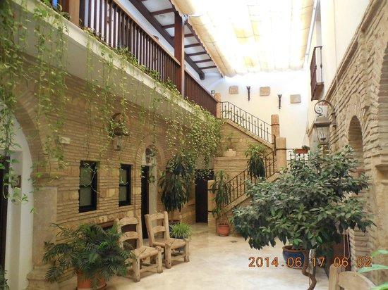 Hacienda Posada de Vallina - courtyard