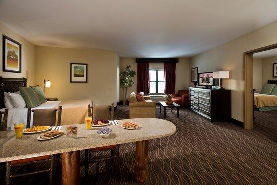 Six Flags Great Escape Lodge & Indoor Waterpark : Great Northern Premium Suite