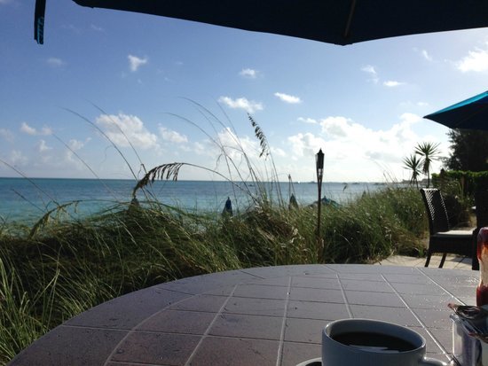 Windsong Resort: Our daily breakfast view!!