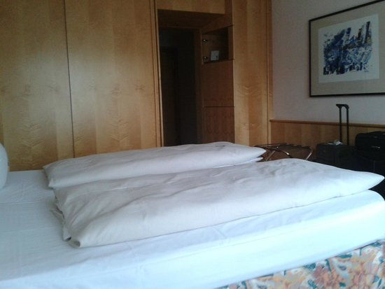 Derag Livinghotel Grosser Kurfürst: Une chambre spacieuse