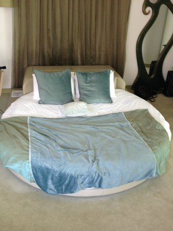 My Brighton : The Jade suite round bed