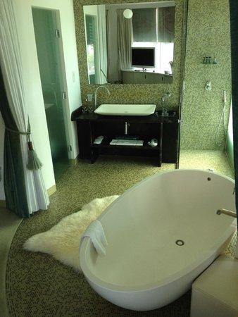 My Brighton: The Jade suite bathroom