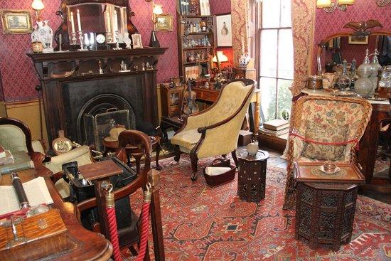 Sherlock Holmes Museum: комната