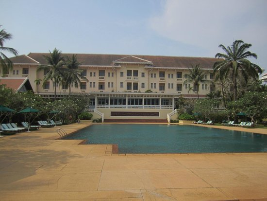 Raffles Grand Hotel d'Angkor: back of hotel and pool