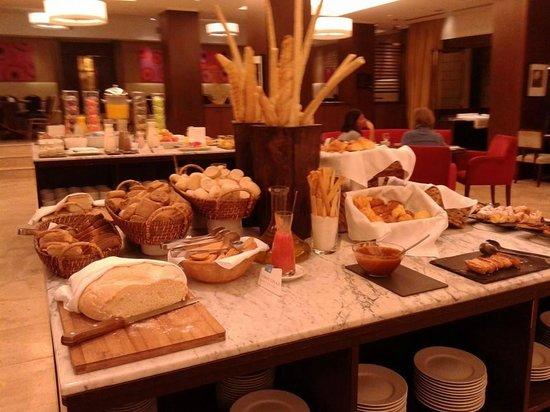 NH Buenos Aires City: Desayunador