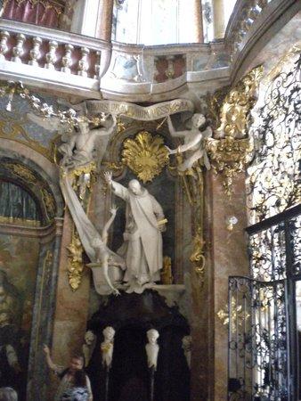 Asamkirche: Interior