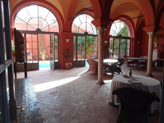 Casa Palacio de Carmona: Logia donde se desayuna