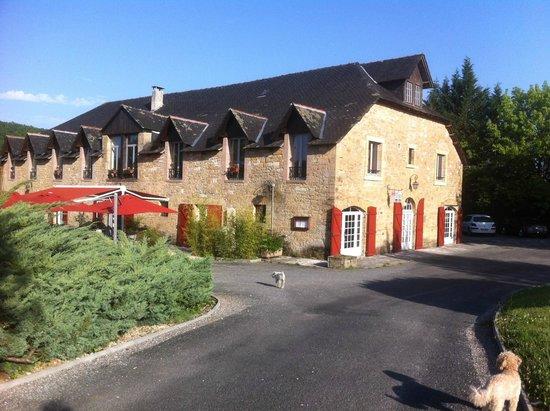 Auberge de Cartassac : La belle bâtisse de l'hôtel