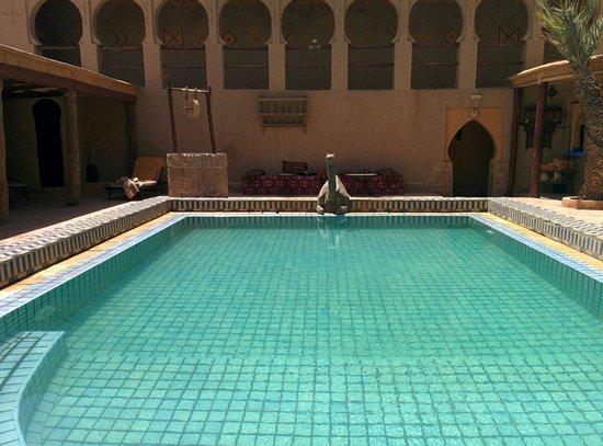 Hotel Kasbah Mohayut : Piscina