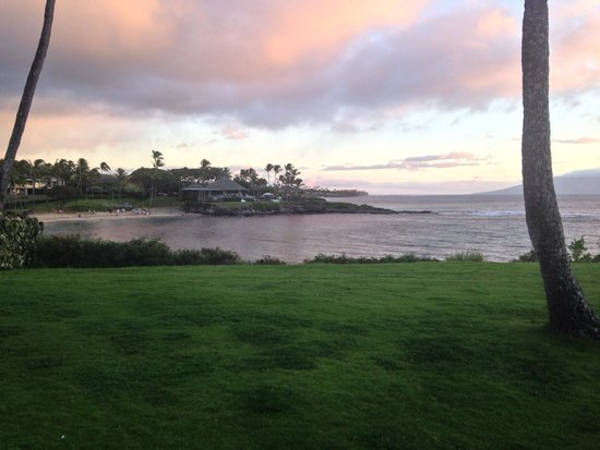 Montage Kapalua Bay: View to the south of the hotel- looking at Merrimans restaurant.