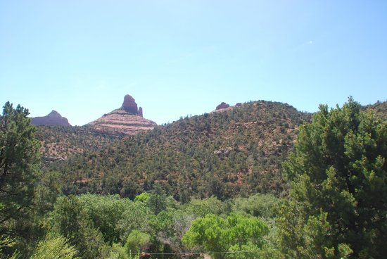 Sedona Views Bed and Breakfast : view from the outside deck