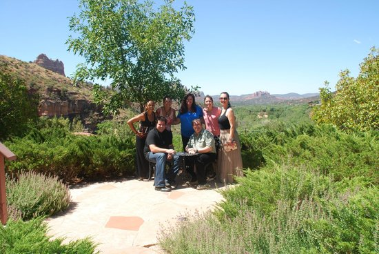 Sedona Views Bed and Breakfast: our group with owner sam
