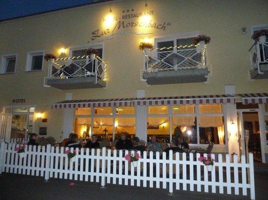 Hotel Zur Morschbach : Frontansicht (Parkplatzseite)