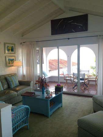 Mount Cinnamon Resort & Beach Club: Living area