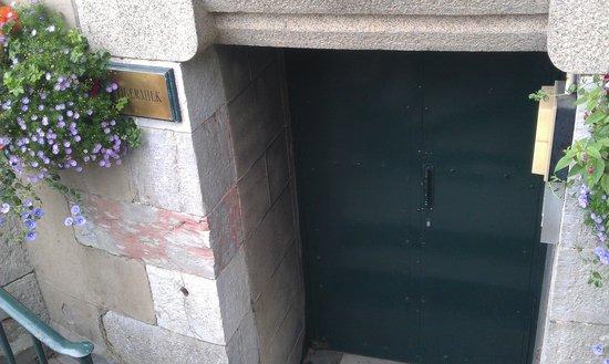 Tigermilk at The Duke: Dour door of Tigermilk