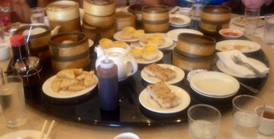 The Phoenix Restaurant: Evidence of satisfied dim sum diners.