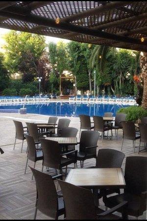 H10 Vintage Salou : Pool area .