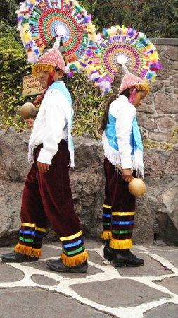 Basilica de Santa Maria de Guadalupe: Cruce de culturas