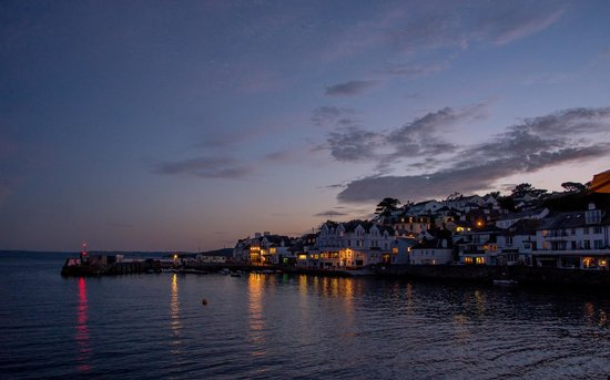 The Idle Rocks: Night view of St Mawes from hotel