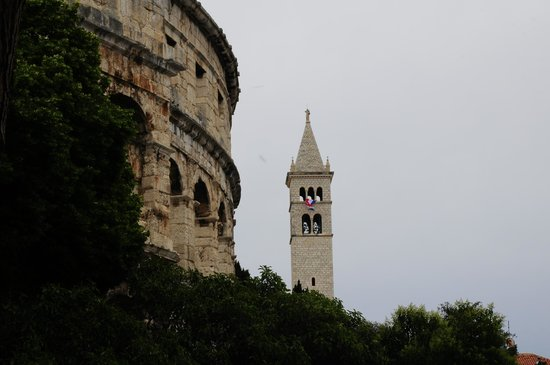The Arena in Pula: Exterior